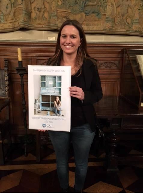 Editorial Albatros anuncia con orgullo el premio obtenido por «Muebles Recuperados», el libro de Virgina Escribano